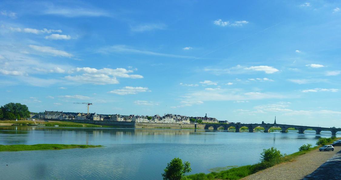 Blois et le pont Jacques-Gabriel