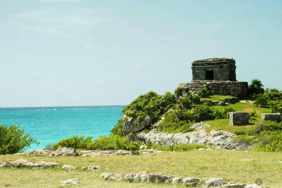 Tulum, ancienne cité maya bordée par la mer des caraibes