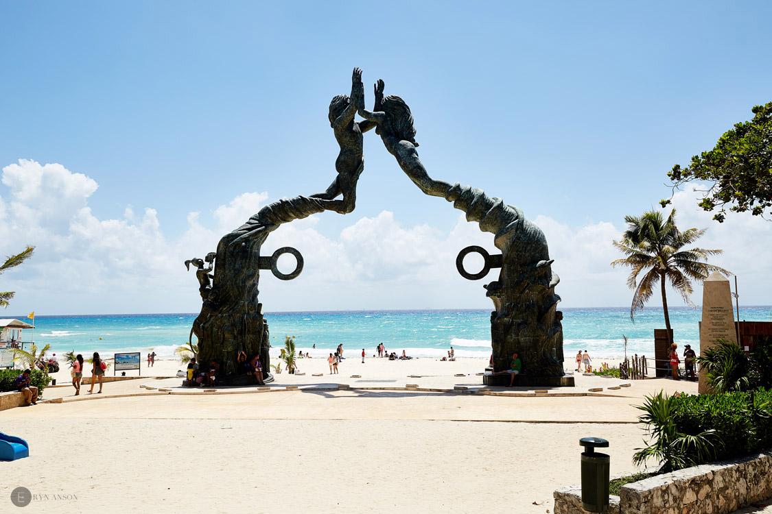 Statue du Parc los fundadores - Playa del Carmen- Mexique